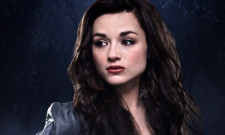 First Image Of Crystal Reed As Sofia Falcone On Gotham Emerges