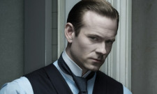 Fifty Shades Darker Ropes In Eric Johnson To Play Christian Grey's Rival