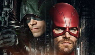 Arrowverse Crossover Set Photo Reveals First Look At The Monitor