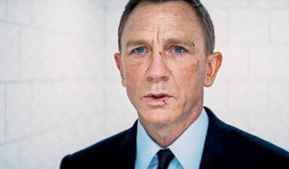 Watch: Daniel Craig Gives Tearful Farewell Speech In No Time To Die Set Video
