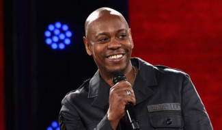 """Trans Comic Defends Dave Chappelle """"You Should Be Able To Make Jokes"""""""