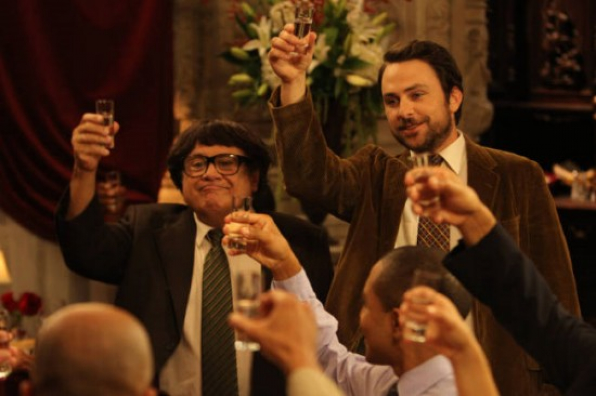 """It's Always Sunny In Philadelphia Review: """"The Gang Dines Out"""""""