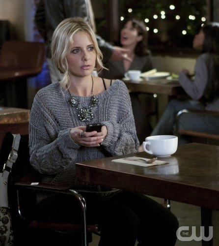 Ringer Season 1-09 'Shut Up And Eat Your Bologna' Recap