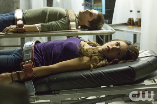 "The Vampire Diaries Review: ""The Cell"" (Season 5, Episode 9)"