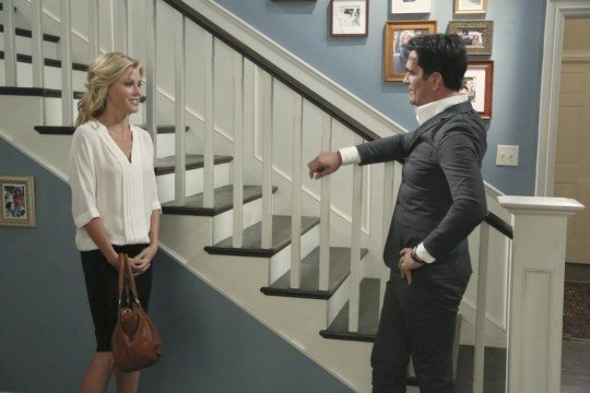 """Modern Family Review: """"The Late Show"""" (Season 5, Episode 5)"""