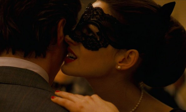 122911-anne-hathaway-catwoman