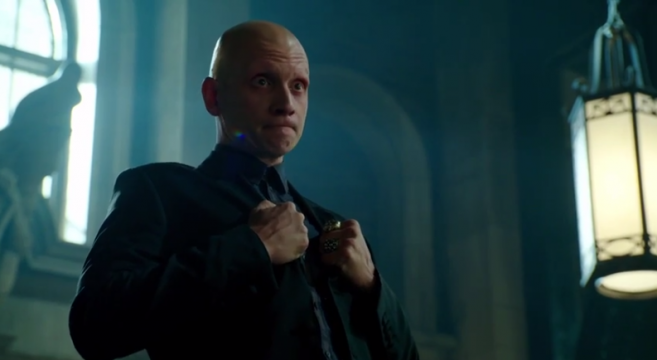 New Gotham Promo Features Victor Zsaz, Arkham Asylum And Scarecrow