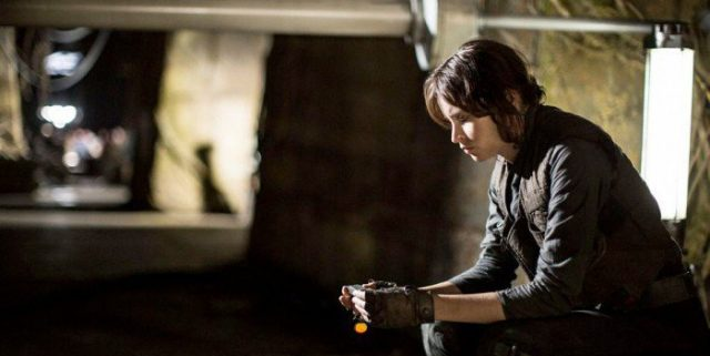 rogueone-jyn-reflective-kybernecklage-700x467