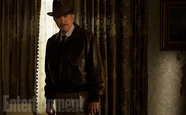 Warren Beatty Is Howard Hughes In First Look At Upcoming Period Flick Rules Don't Apply