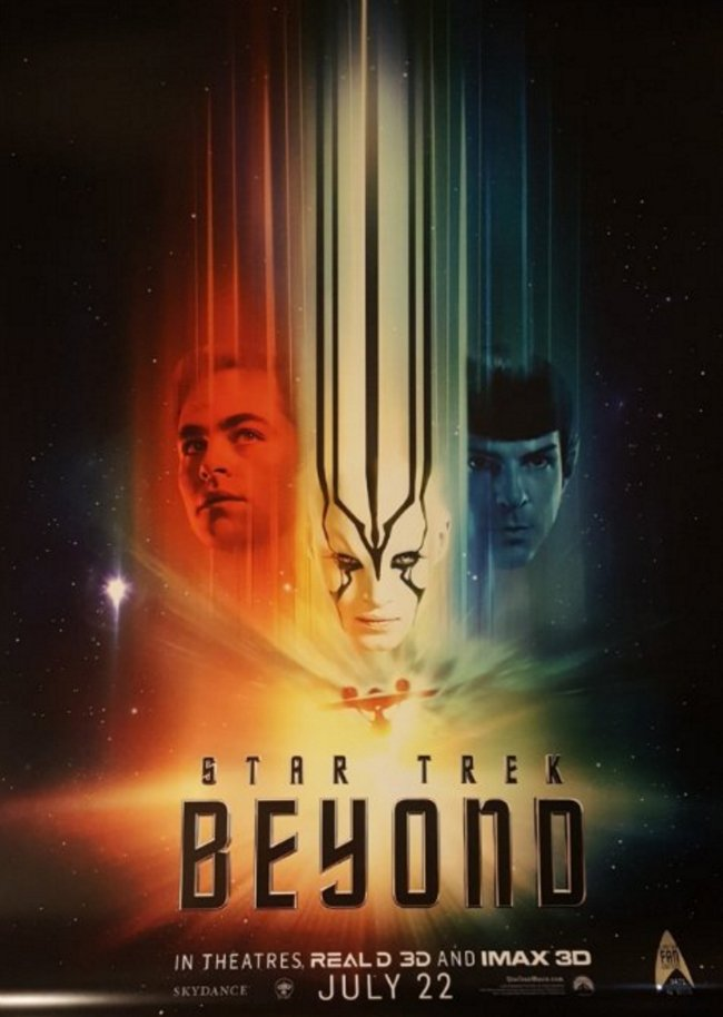 Star Trek Beyond Trailer Screenshots Showcase A Scattered Enterprise Crew