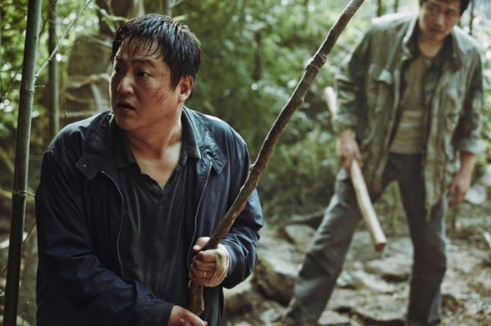new-posters-stills-press-photos-and-making-video-for-the-Korean-movie-The-Wailing_40