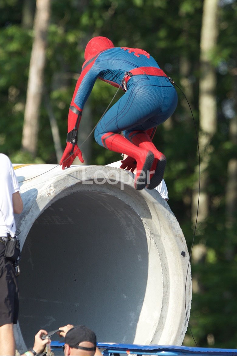 First Set Photos Of Tom Holland In Costume In Spider-Man: Homecoming