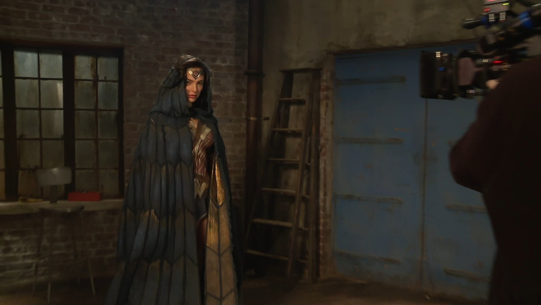 New Wonder Woman Photos Have Gal Gadot In Full Costume