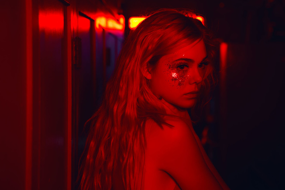 http://cdn.wegotthiscovered.com/wp-content/uploads/2016/06/The-Neon-Demon-2.jpg