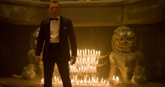 How Daniel Craig Almost Ruined Skyfall With A Pair Of Leather Gloves