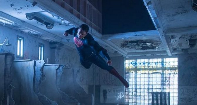 The Man Of Steel Takes Flight In Cool New Batman V Superman: Dawn Of Justice BTS Image