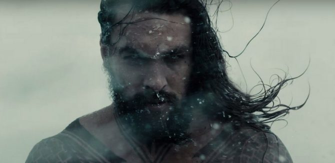 aquaman-jasonmomoa-watersplash
