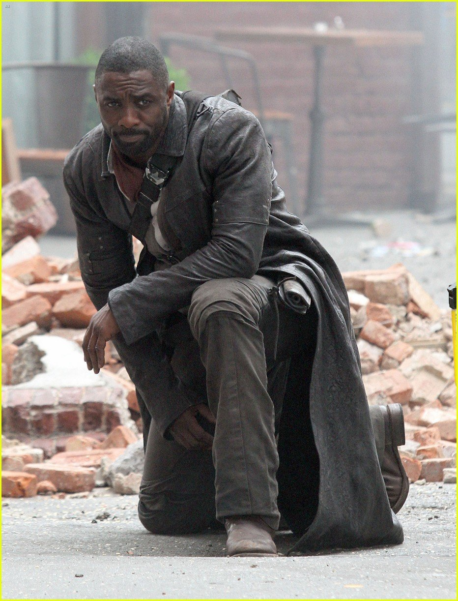 New Set Photos From The Dark Tower See Roland Deschain In Action