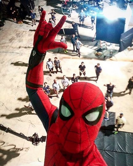 Tom Holland Shares A New Spider-Man: Homecoming BTS Image