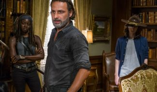 "TV Talk: The Walking Dead 7×09 ""Rock In The Road"" Review"