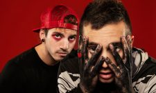 "Twenty One Pilots Make History With ""Ride"" And ""Heathens"""