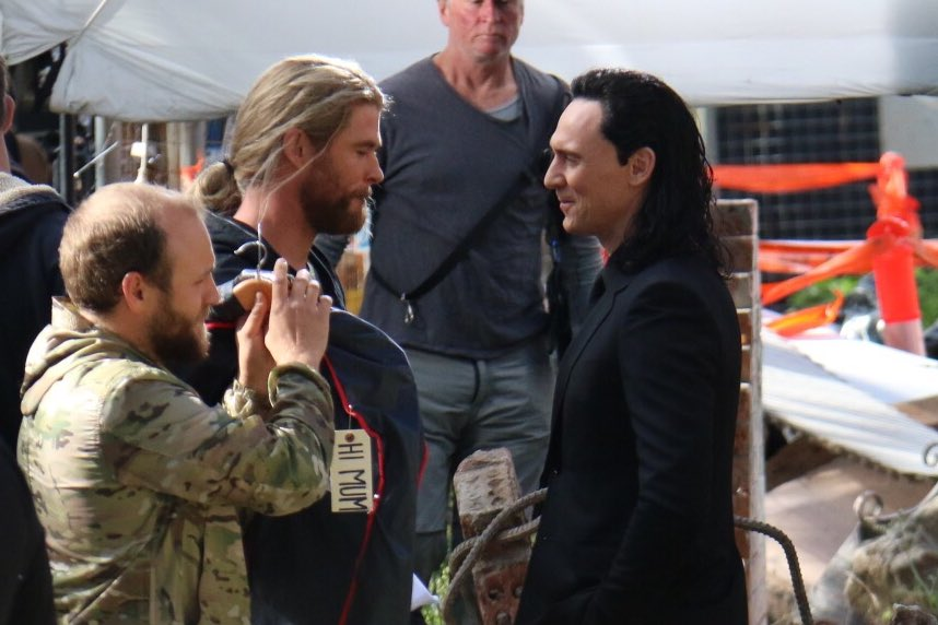 New Costumes For Thor, Loki And Odin Revealed In Thor: Ragnarok BTS Photos