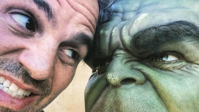 Mark Ruffalo Caps Off Work On Thor: Ragnarok With Series Of Set Pics