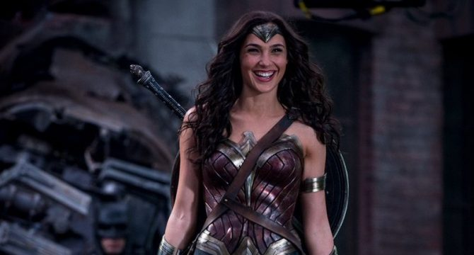 Wonder Woman Flashes A Grin In Latest Batman V Superman: Dawn Of Justice BTS Photo