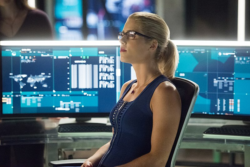 Katie Cassidy Confirms Arrow Season 5 Premiere Appearance