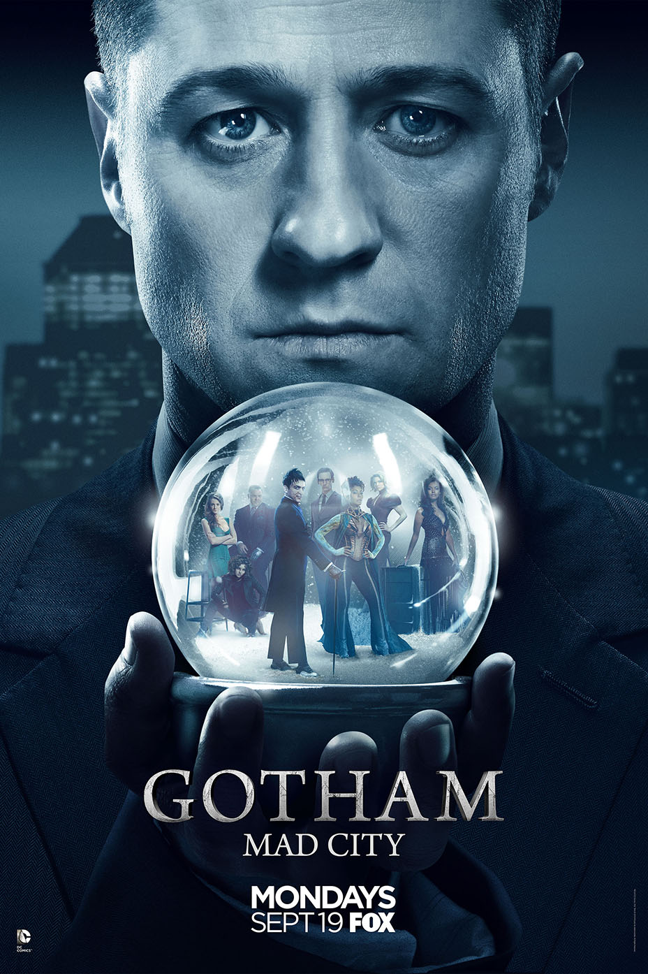 "New Gotham Trailer And Poster Reveal A ""Mad City"""