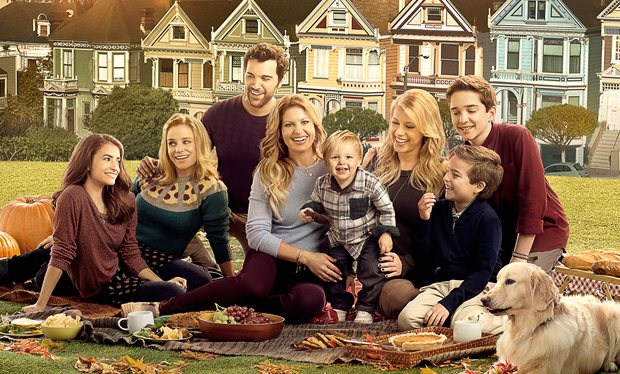 fuller_house_exclusive___season_two_release_date_plus_brand_new_cast_photo_revealed