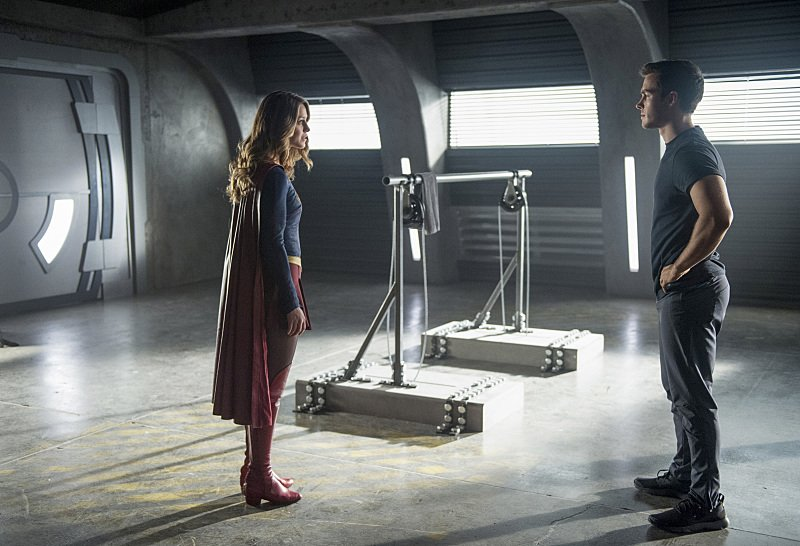 Kara Danvers Meets Snapper Carr In New Clip From Monday's Episode Of Supergirl