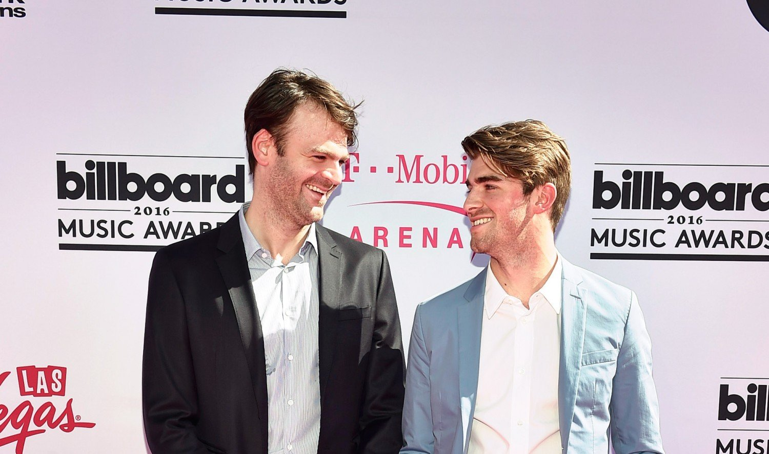 the-chainsmokers-e1466605652442-1500x887