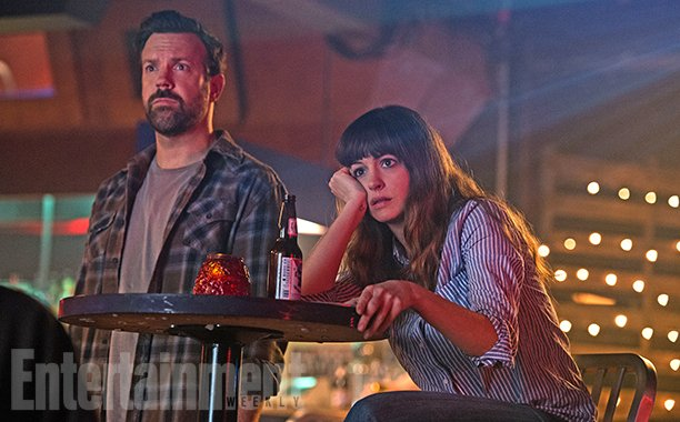 Anne Hathaway Stars In New Images For Atypical Monster Movie Colossal