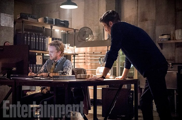 First Look At Tom Felton As Barry Allen's Workplace Rival In The Flash Season 3