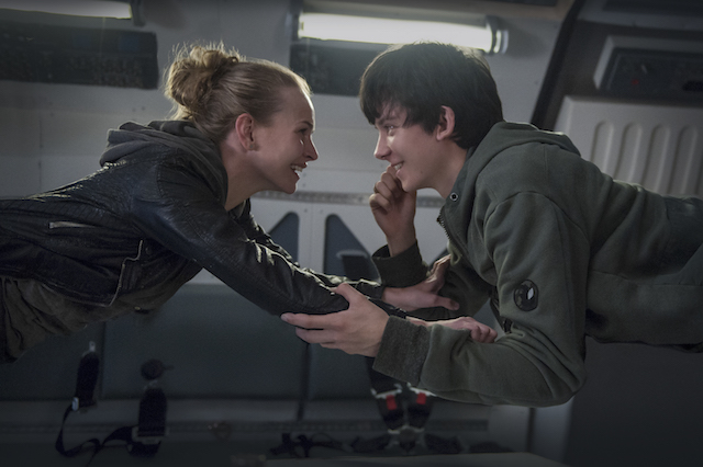 A Galaxy Separates Teenagers In The Space Between Us Trailer