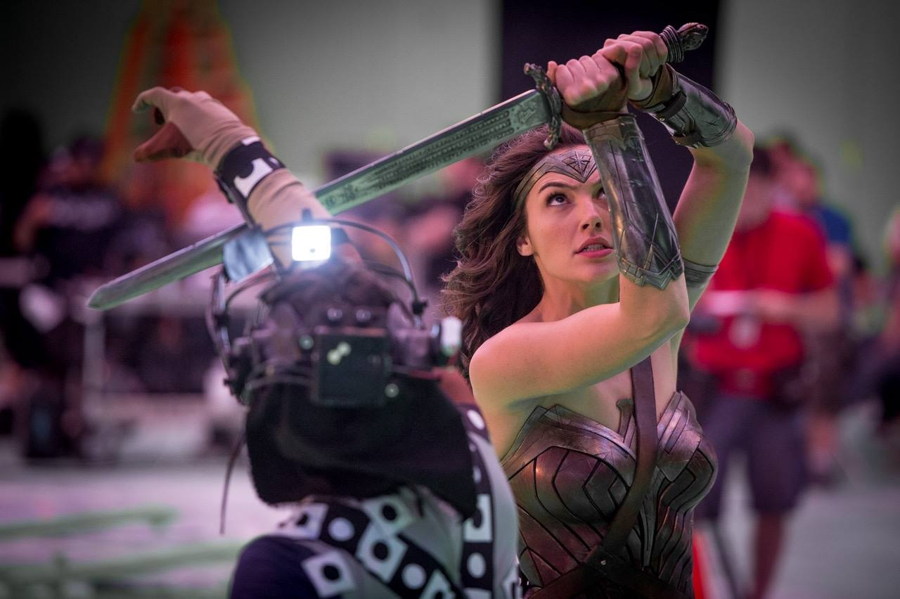 Wonder Woman Takes On Doomsday In Batman V Superman: Dawn Of Justice BTS Image