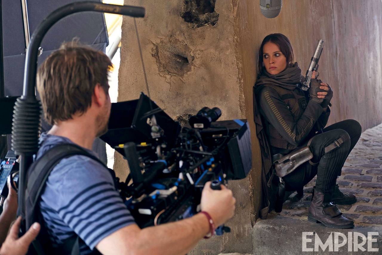 Felicity Jones Takes Aim In New BTS Shot For Rogue One: A Star Wars Story