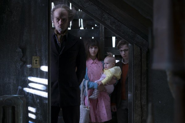 A Series of Unfortunate Events Season 1 Review