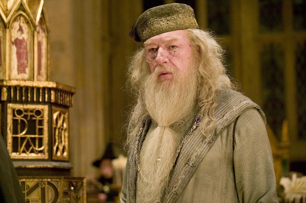 Fantastic Beasts And Where To Find Them Sequels May Feature A Gay Dumbledore