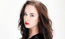 The Originals Alum Elyse Levesque Joins Legends Of Tomorrow Season 2