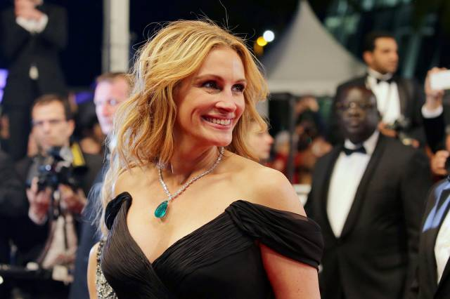 TV Series Based On Maria Semple's Today Will Be Different Recruits Julia Roberts To Star And Produce