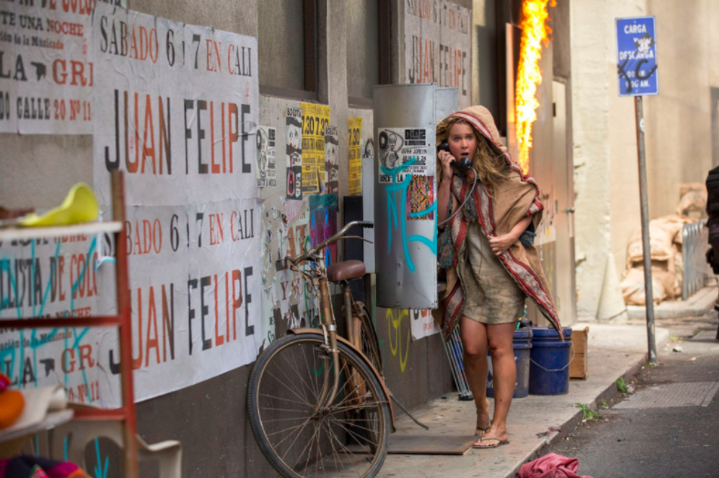 Snatched Red Band Trailer Finds Amy Schumer Stranded Overseas
