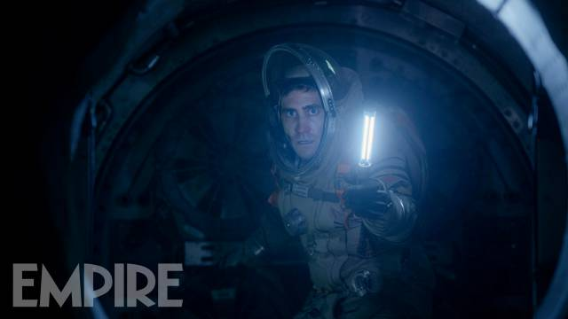 Jake Gyllenhaal Braces For A Close Encounter In New Image For Daniel Espinosa's Life