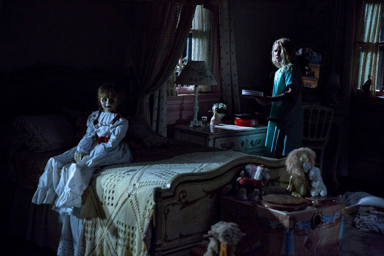 creepy-new-photo-for-annabelle-2
