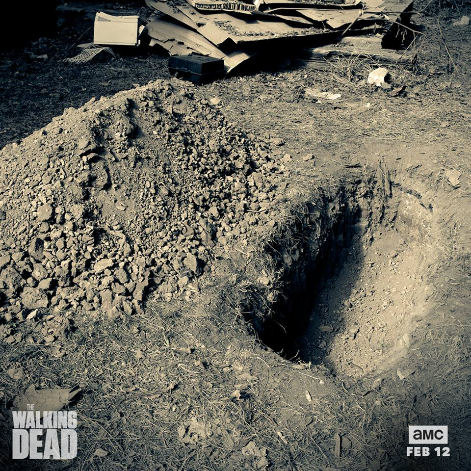 Cryptic New Poster For The Walking Dead Teases Even More Death To Come