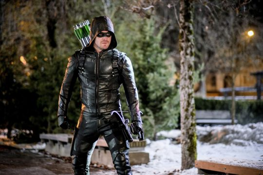 Arrow EP Reaffirms That Season 6's Premiere Will Reveal Who Survived The Blast