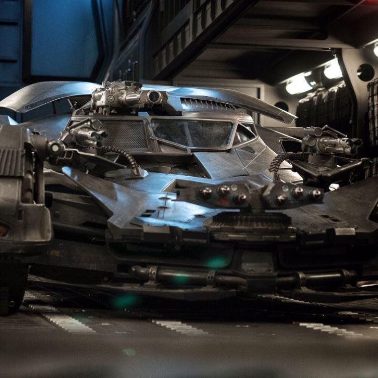 Zack Snyder Debuts New Photo Of The Batmobile In Justice League