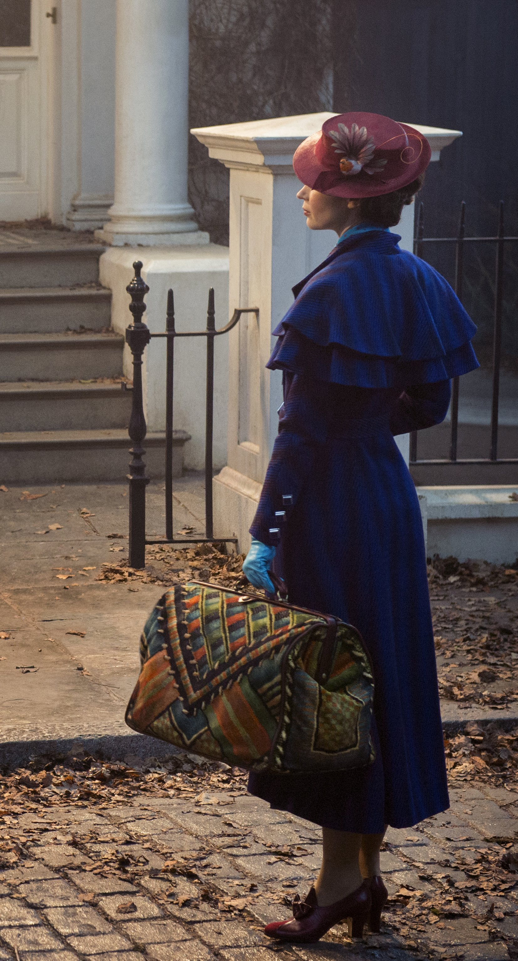 Mary Poppins Returns And She's Practically Perfect In Every Way