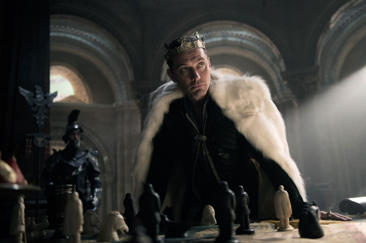 New King Arthur: Legend Of The Sword Trailer Promises A Gritty Epic